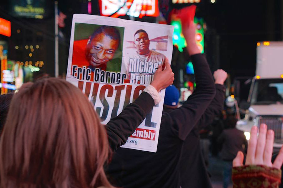 11-24-fergusion-protest-Eric-US-police